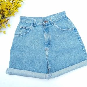 Vintage LEE Lightwash high rise cuffed jean shorts